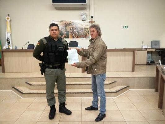 PODER LEGISLATIVO RECONHECE ATRAVÉS DE OFÍCIO DE CONGRADULAÇÕES O TRABALHO DA BRIGADA MILITAR DESENVOLVIDO NO MUNICIPIO.